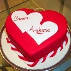 Ankara Pastaneleri etimesgut Pasta yolla  4 ile 6 kislilik kalp biçimli pasta
