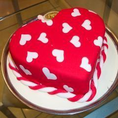 Dikmen Pastane online Pasta gönderme  kalp biçiminde yas pasta özel kisilere
