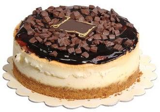 pasta yolla 4 ile 6 kisilik çikolatali yas pasta